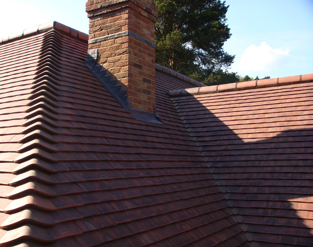 Clay tile roof sevenoaks clay plain tiles for Clay tile roofs